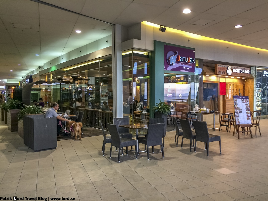 Review of JatuJak Thai Restaurant, Exterior, Mall of Asia, Manila Philippines © Patrik Lord Travel Blog