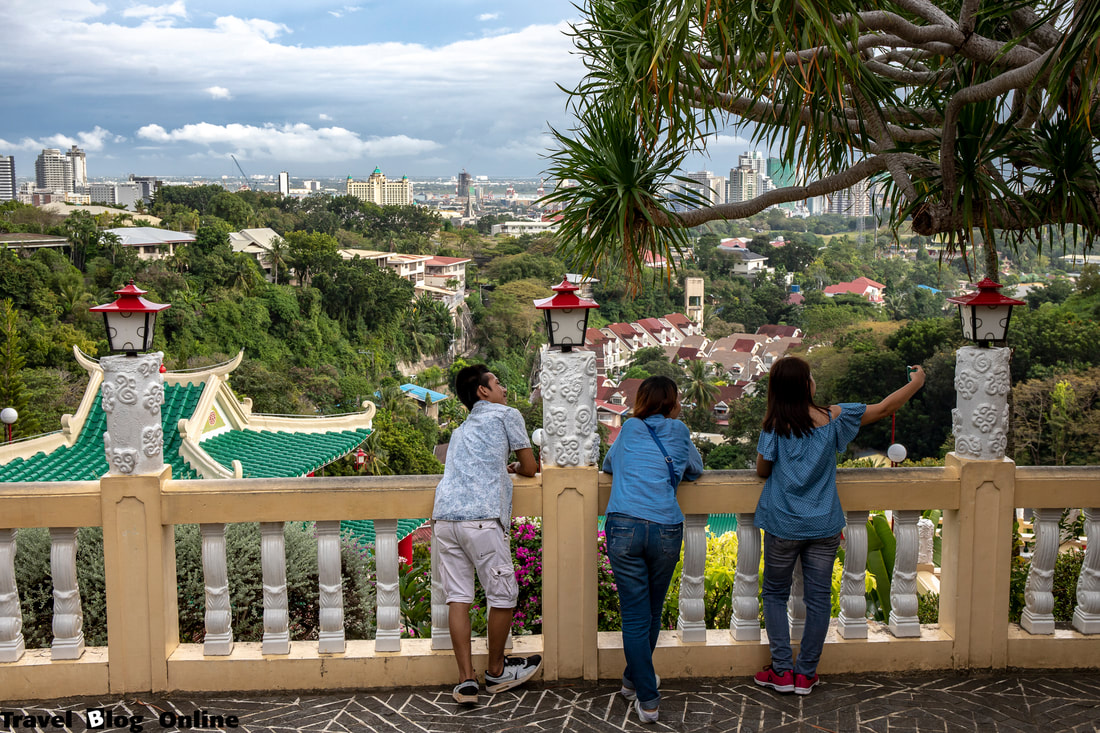 Cebu Taoist Temple, Selfie taking, Cebu City, Philippines © travelblogonline.com