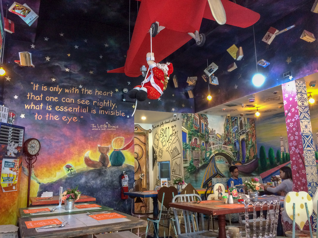 Review of Chapters Café, Interior, Dumaguete, Negros, Philippines © Patrik Lord Travel Blog