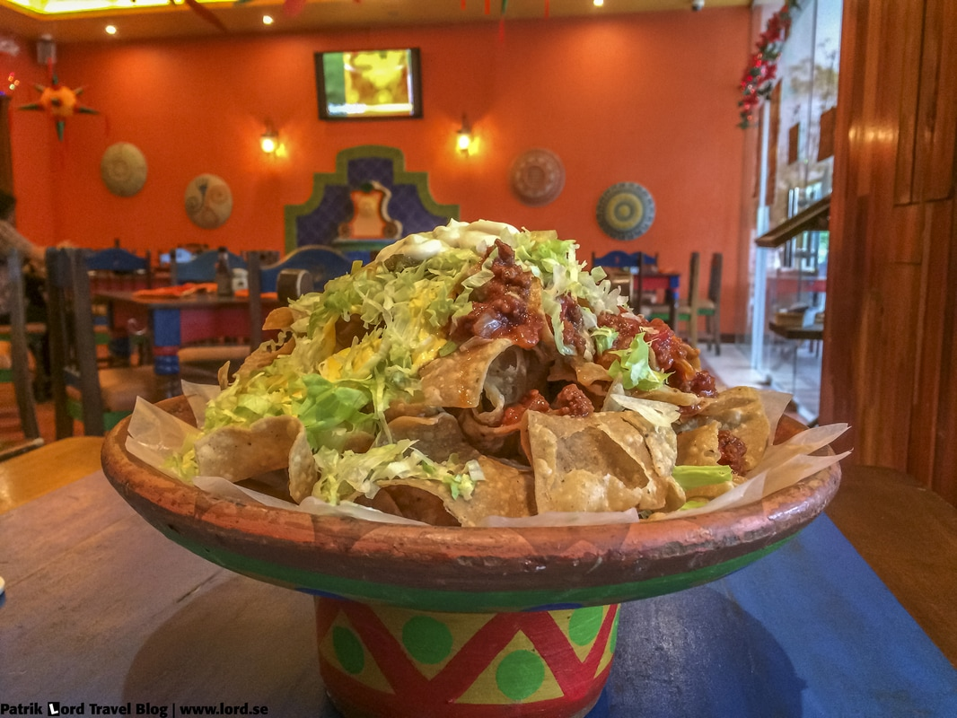 Review of Mooon Café Nachos Robinsons Place Dumaguete Negros Oriental Philippines © Patrik Lord Travel Blog