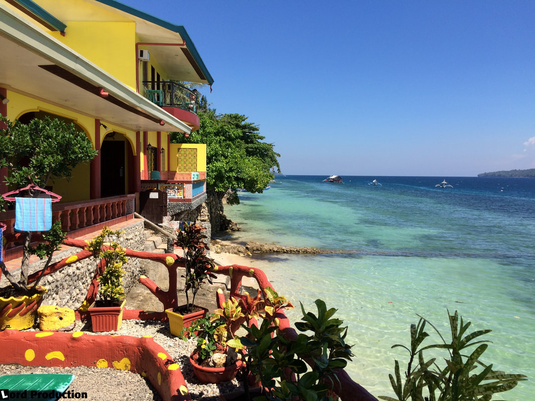Reviews of hotels in Philippines Samal Island The Red Parrot Inn Sea View 3 © Patrik Lord Travel Blog