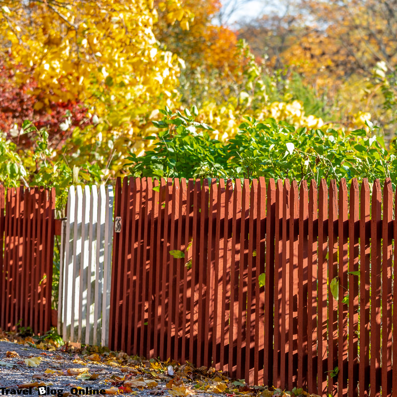 Stockholm, Sweden, Autumn, fence © www.travelblogonline.com