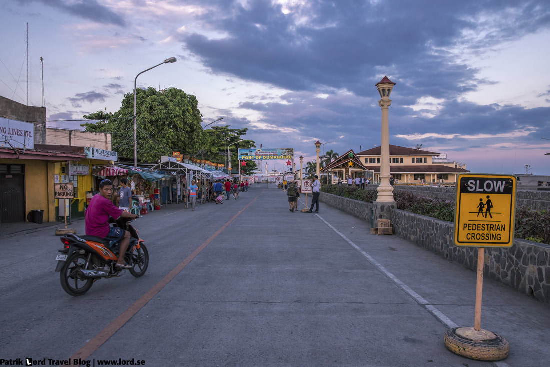 The boulevard, The port, Dumaguete, Philippines © Patrik Lord Travel Blog