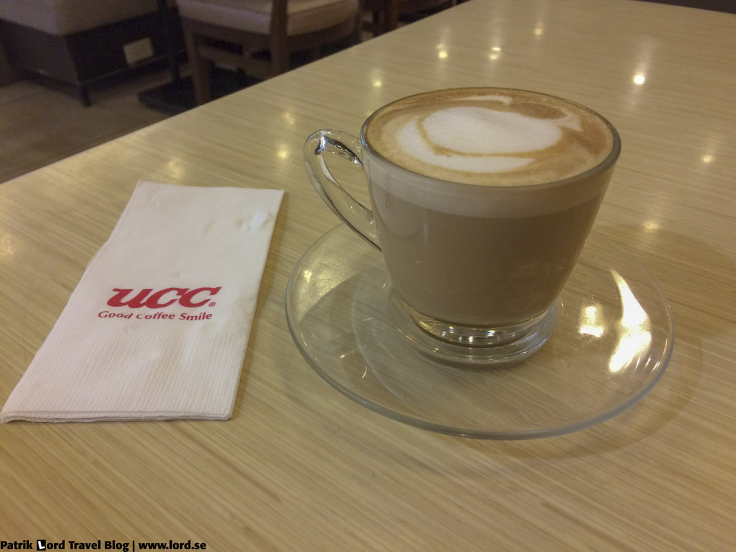 UCC Vienna Cafe, cafe latte, Mall of Asia, Manila © Patrik Lord Travel Blog
