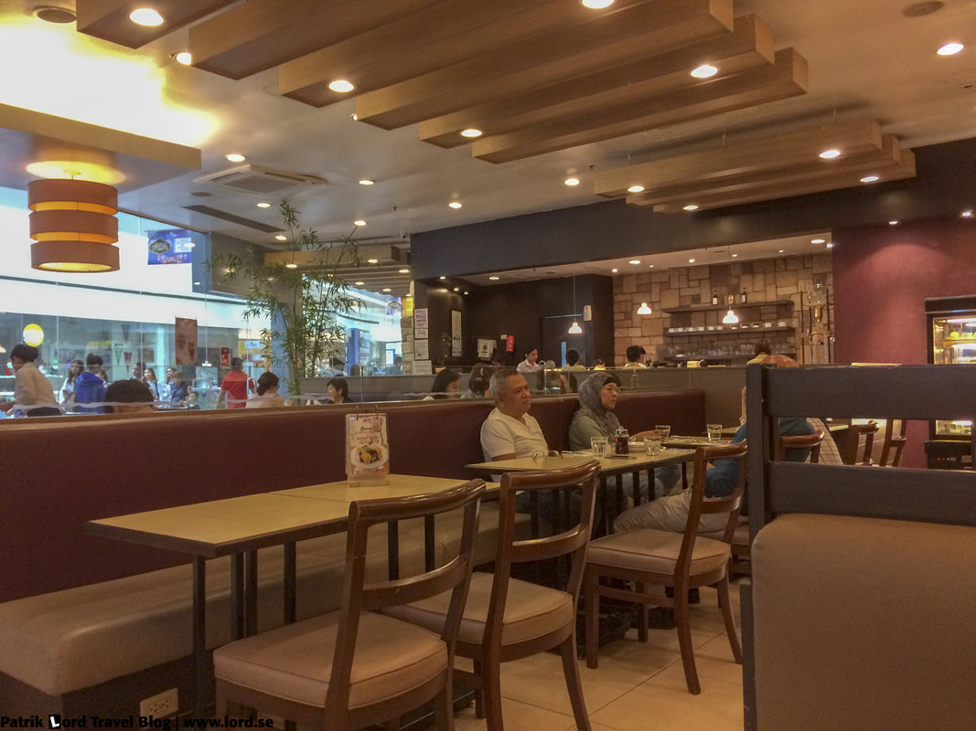 UCC Vienna Cafe, interior, Mall of Asia, Manila © Patrik Lord Travel Blog